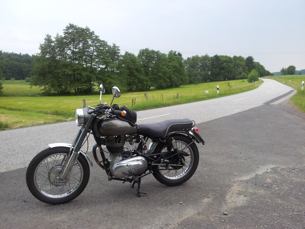 Enfield Bullet 500 in Athena-Grey