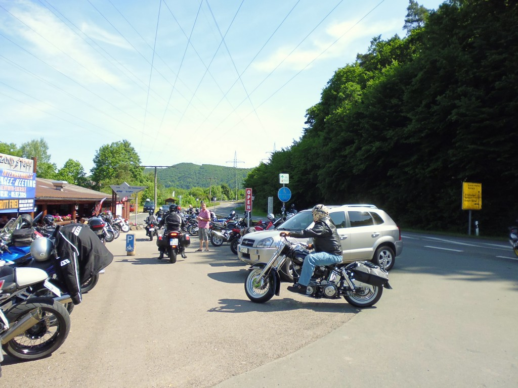 Harley am Cafe Zündstoff